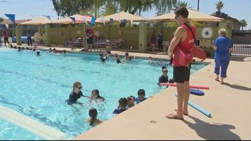 Centros YMCA del valle ofrecen 2,000 clases de natación gratuitas durante mayo