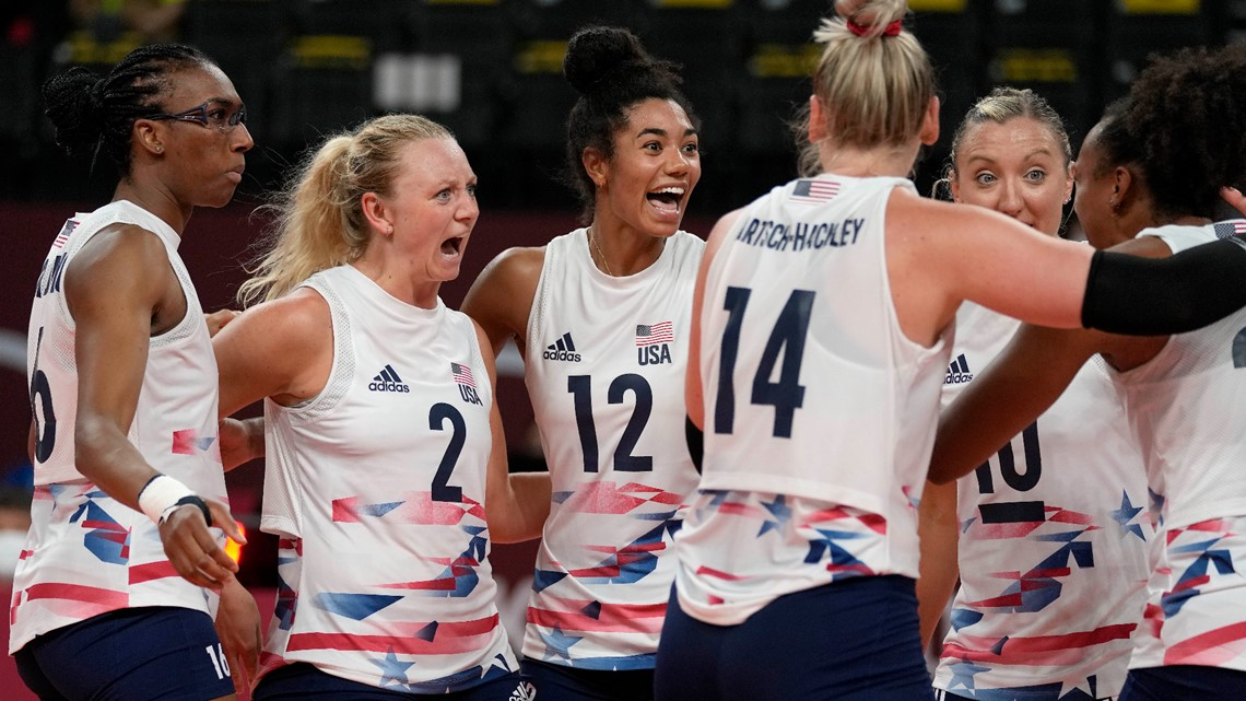 US women's volleyball team shocks China in straight sets