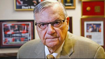 Arpaio files signatures to qualify for Maricopa County Sheriff's race