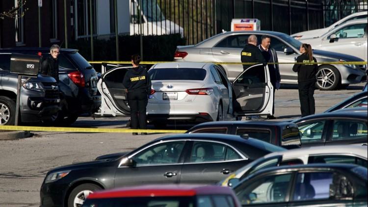 El sospechoso 'comenzó a disparar al azar' en las instalaciones de FedEx Ground en Indianápolis matando a 8 personas
